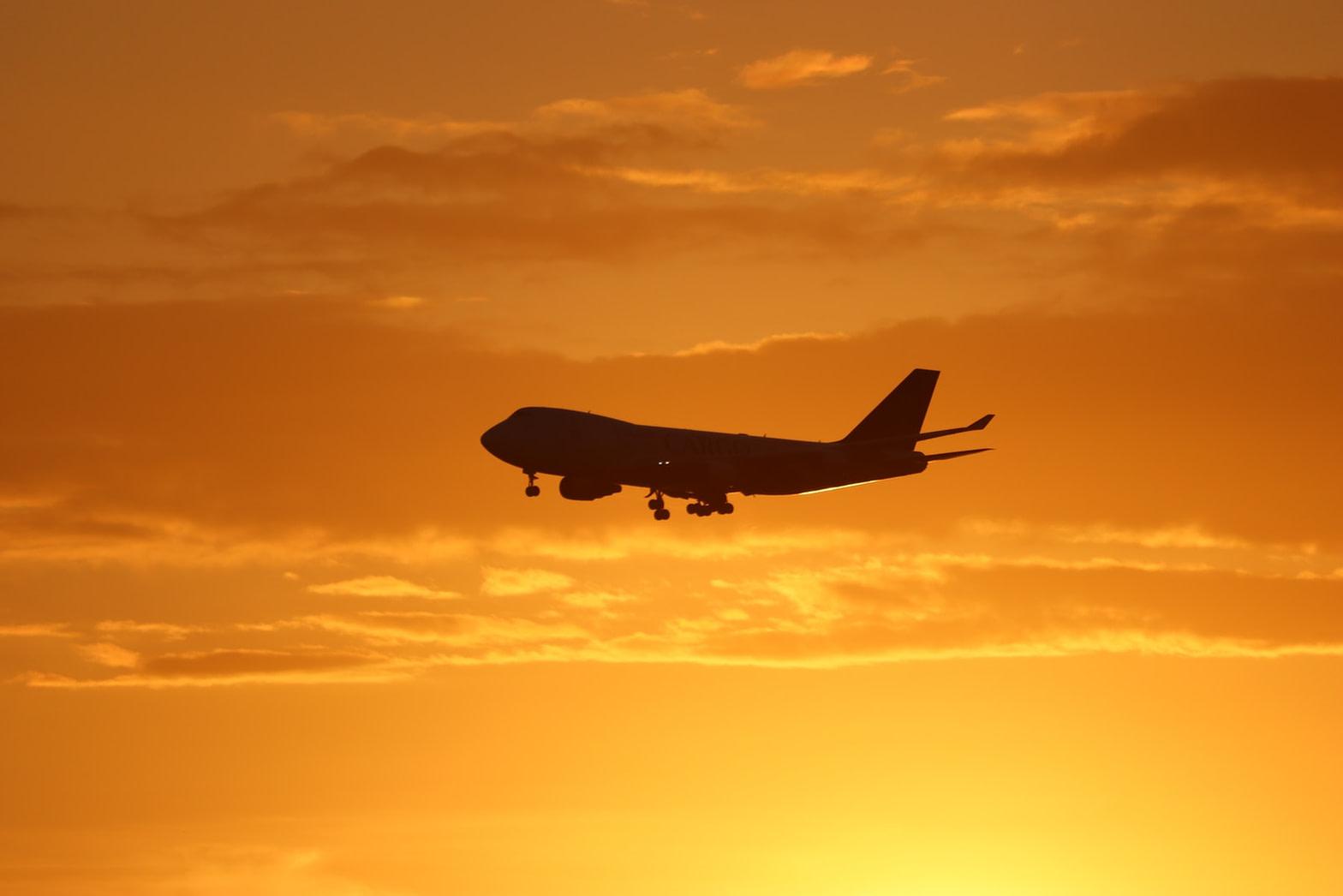 معلومات عن الرحلات المتجة من مطار الرياض الى العلا