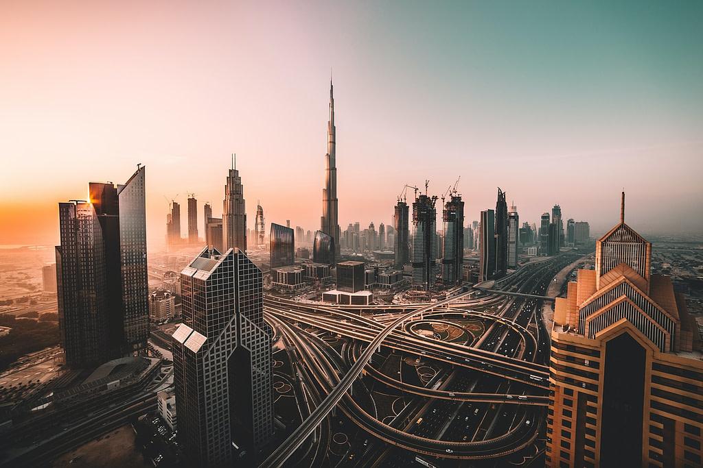يمكن للسعوديين السفر الى الامارات بدون فيزا