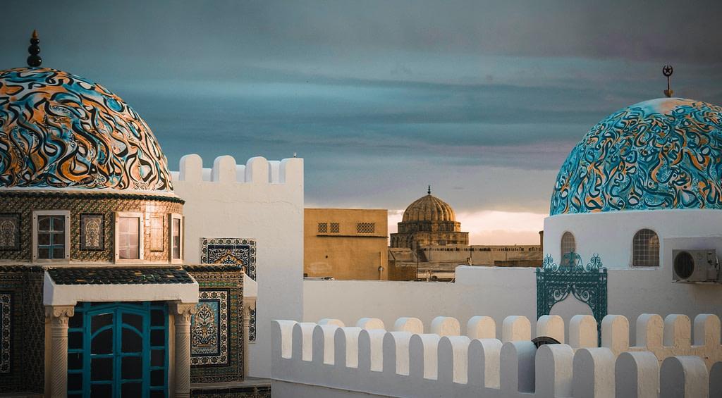 يمكن للسعوديين السفر الى تونس بدون فيزا