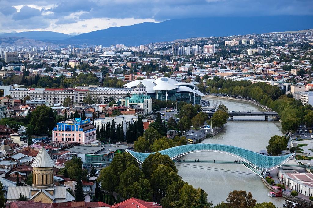 دول سياحية رخيصة بدون فيزا  جورجيا